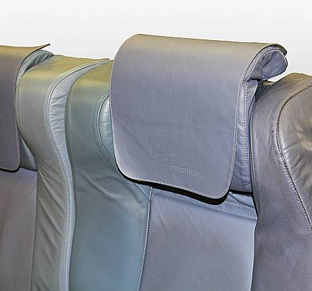 Executive triple chair from TAP Air Portugal aircraft  - 4