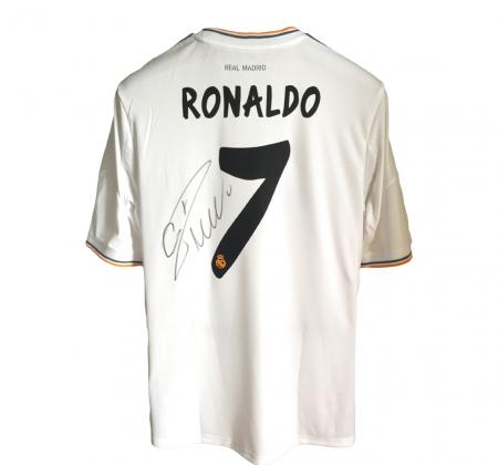 Camisola autografada pelo Cristiano Ronaldo (CR7) apoia Recém Nascidos