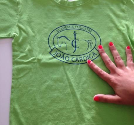T-shirt verde maça com logo a azul (+ portes)