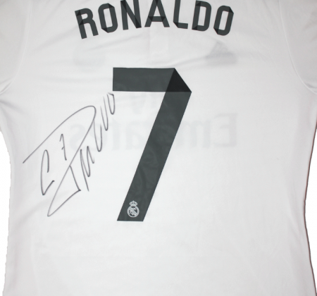 Autographed jersey by Cristiano Ronaldo (CR7) supports elderly and children in need