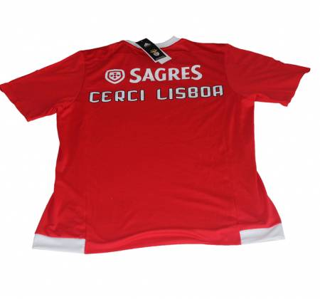 Benfica jersey signed by the 2015/16 team. Proceeds support CERCI Lisbon.