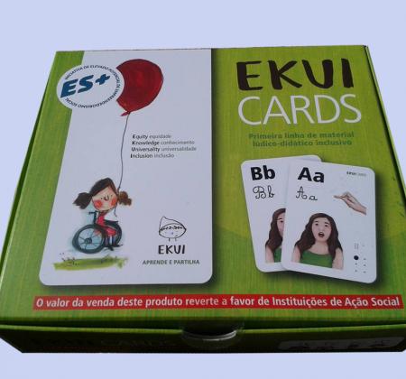 EKUI - Material lúdico didático inclusivo autografado por várias celebridades apoia a LEQUE
