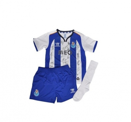 Child's football uniform from Futebol Clube do Porto signed by the entire squad