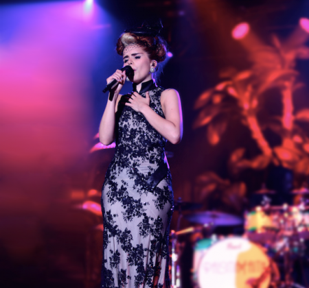 Bid on Paloma Faith's HUGE golden palm trees