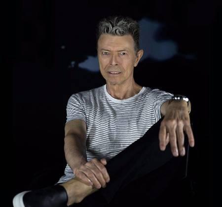 Partitura emoldurada da música Blue Jean autografada por David Bowie