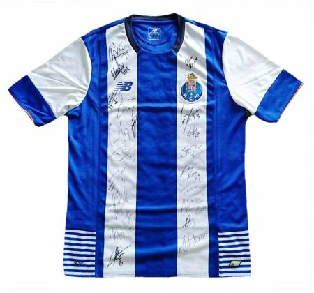 Jersey autographed by the entire team of FC Porto (2015/2016)