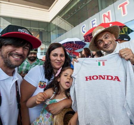 WTCC | Camisola anti-fogo autografada pelo ex-campeão mundial Gabriele Tarquini