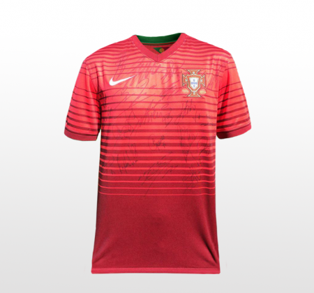 Portuguese national football team | Jersey autographed by Cristiano Ronaldo and the rest of the team