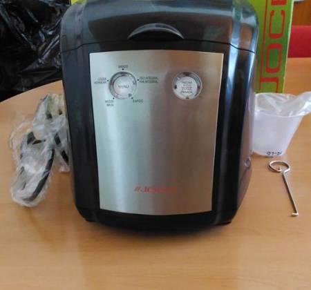 Máquina de fazer pão Jocel