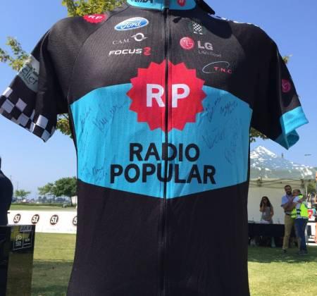 Camisola autografada pela equipa Rádio Popular – Boavista - Volta a Portugal