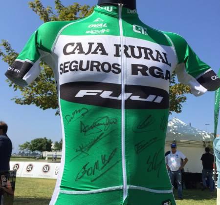 Camisola autografada pela equipa Caja Rural - Volta a Portugal