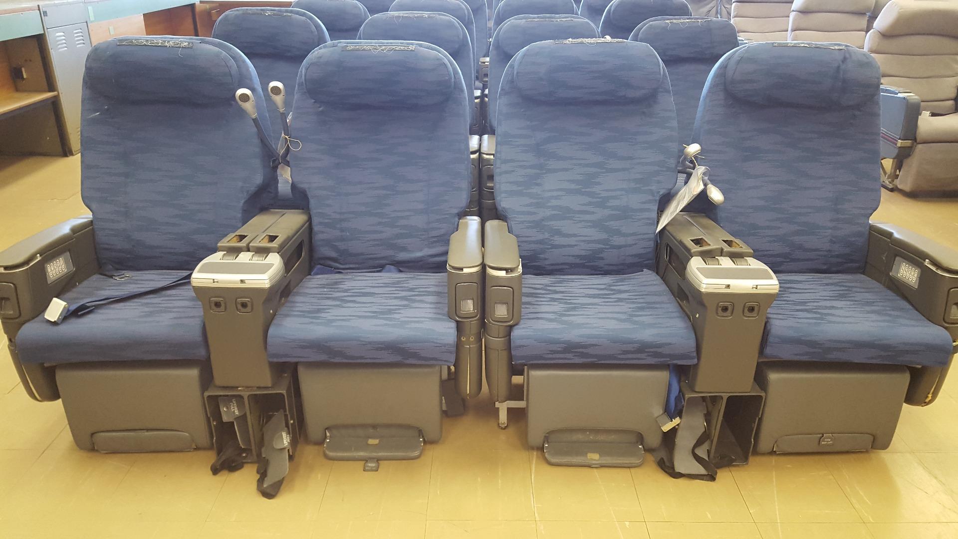 Cadeira dupla de executiva do avião A330 da TAP   12