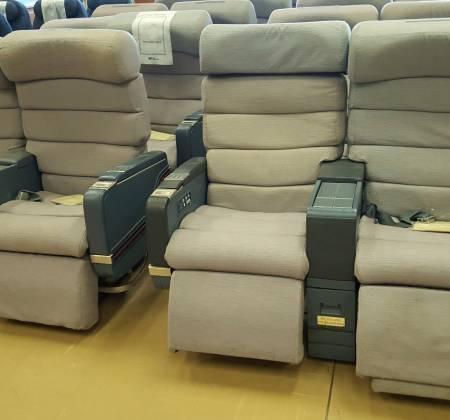 Cadeira dupla de executiva do avião A340 da TAP | 17