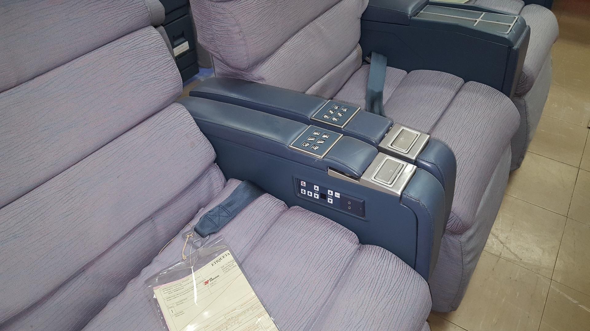 Cadeira dupla de executiva do avião A340 da TAP   18