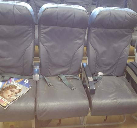 Economy triple chair from TAP A320 airplane | 15