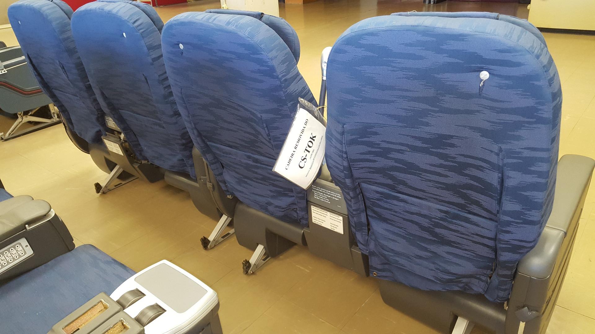 Cadeira dupla de executiva do avião A330 da TAP   22