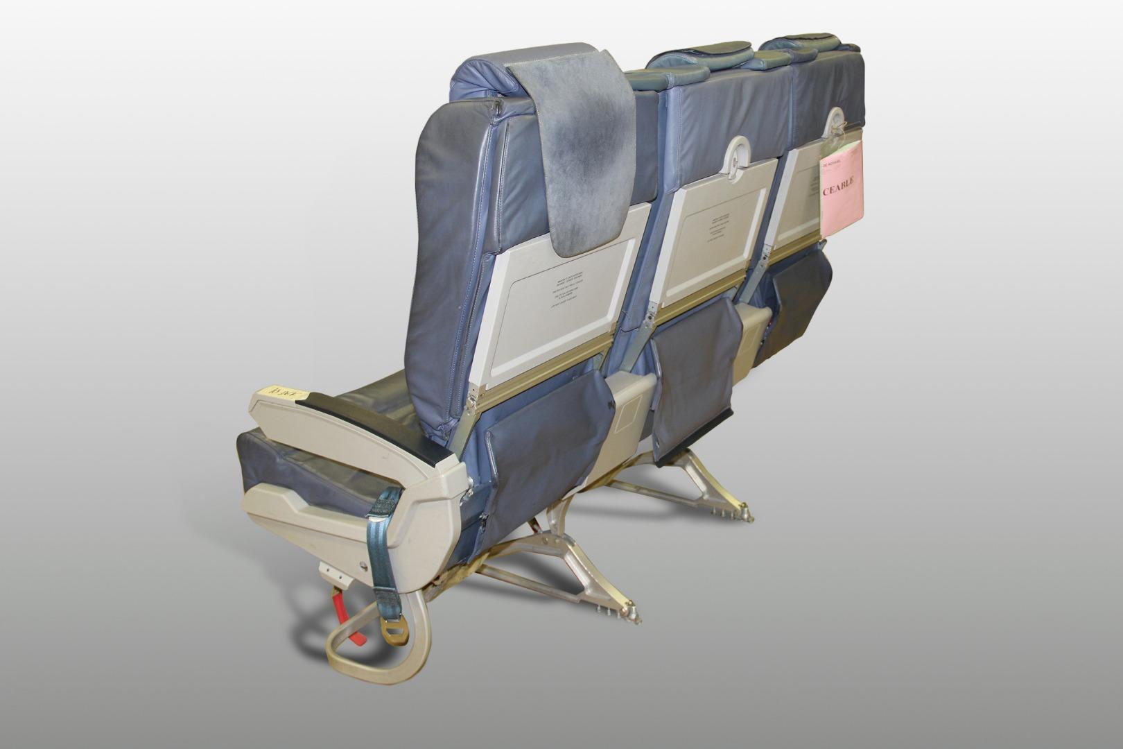 Cadeira tripla de executiva do avião A319 TTO da TAP - 11