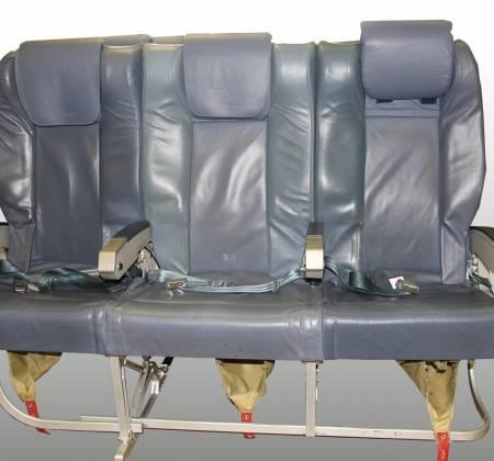 Cadeira tripla de executiva do avião A319 TTO da TAP - 19
