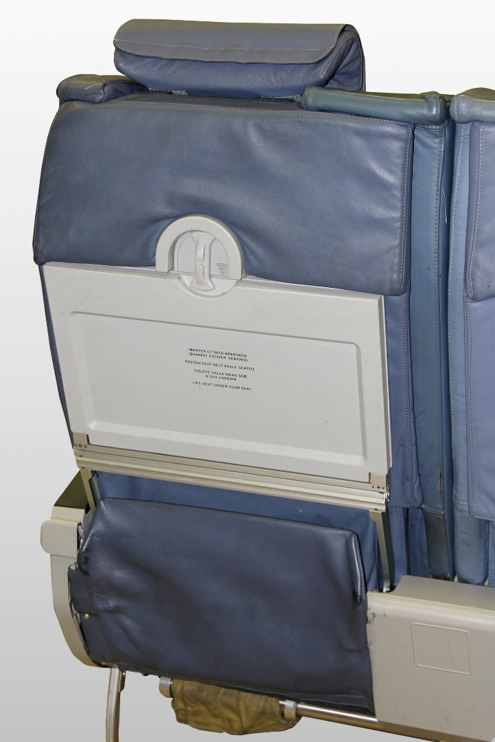 Executive triple chair from TAP A319 TTK airplane - 1