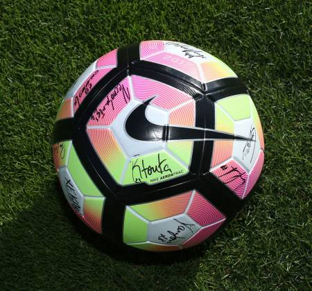 Official ball signed by the team of the Sporting Clube de Braga