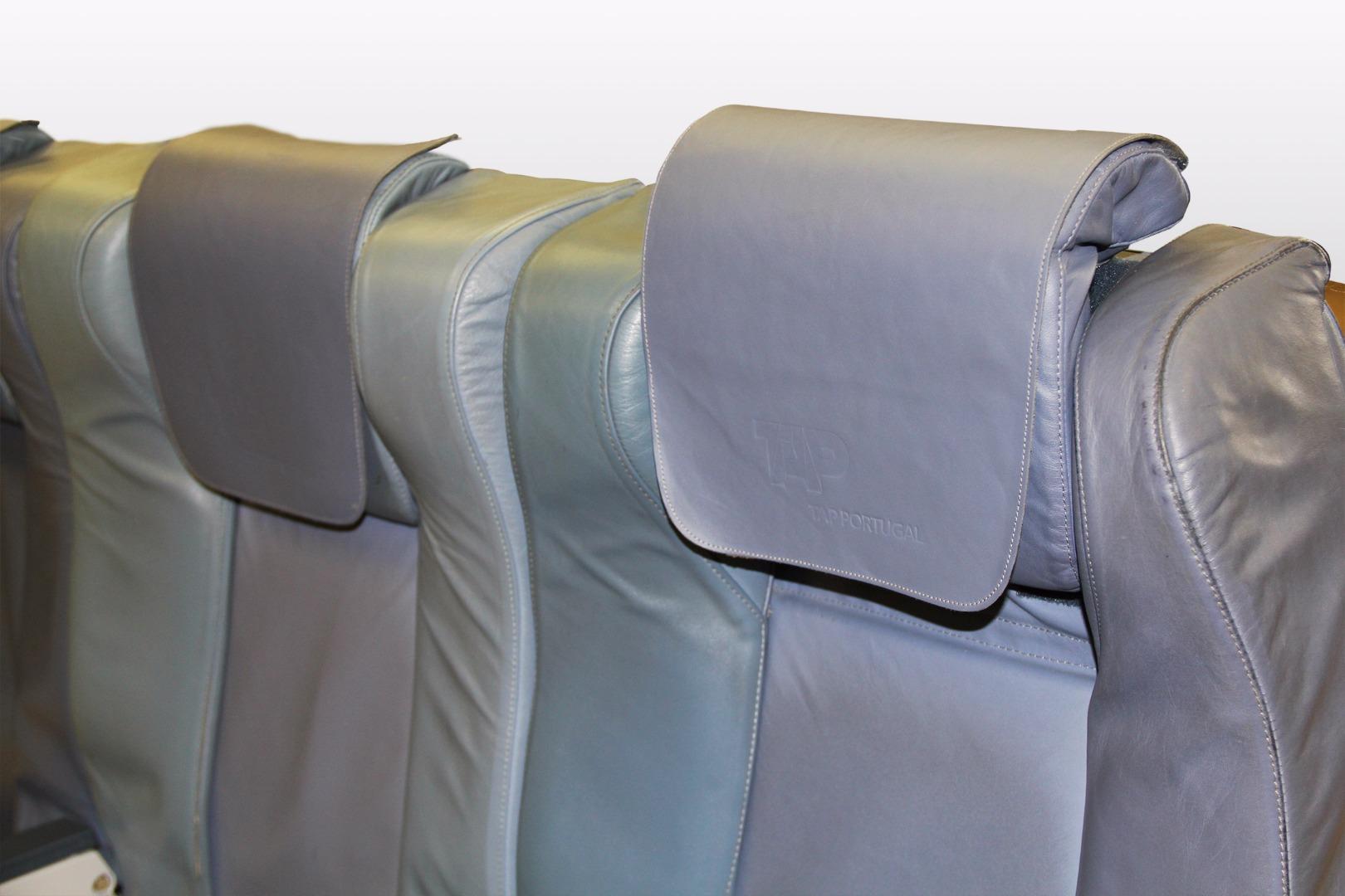 Cadeira tripla executiva do avião A319 CS-TTM da TAP - 25
