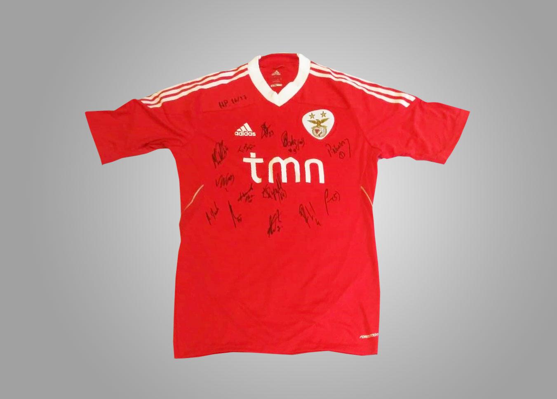 Camisola e Stick autografado pela equipa do SL Benfica