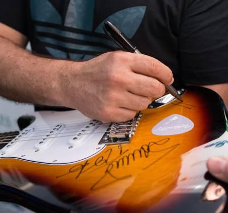Guitarra autografada pelo Skank - Rock in Rio 2017
