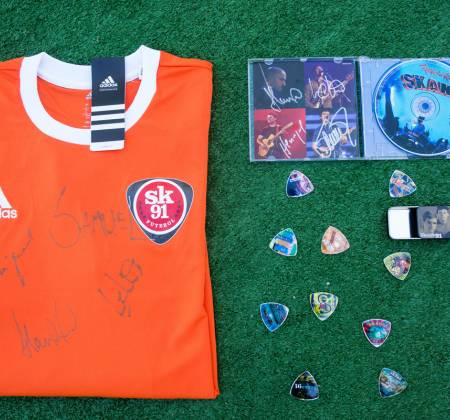 Kit of Items signed by Skank at Rock in Rio 2017 - 1
