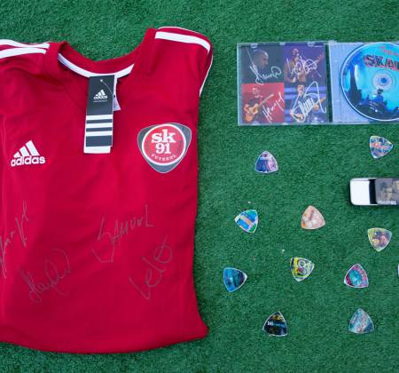 Kit of Items signed by Skank at Rock in Rio 2017 - 2