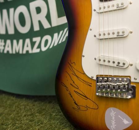 Guitar signed by Alicia Keys - Rock in Rio 2017