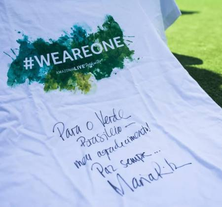 Camiseta do amazonia live autografada por Maria Rita no Rock in Rio