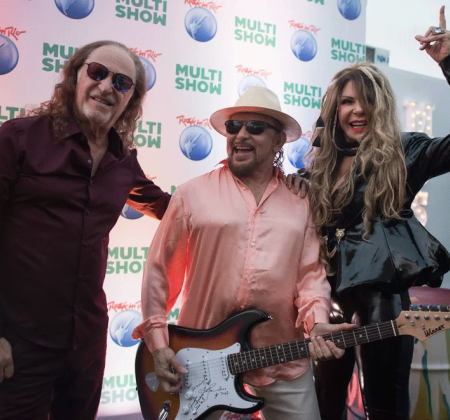 Guitar signed by O Grande Encontro - Rock in Rio 2017