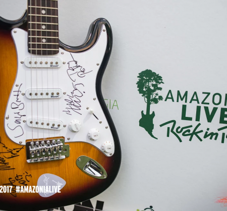 Guitar signed by Titãs - Rock in Rio 2017