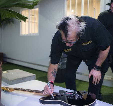 Guitarra autografada pelo The Offspring - Rock in Rio 2017