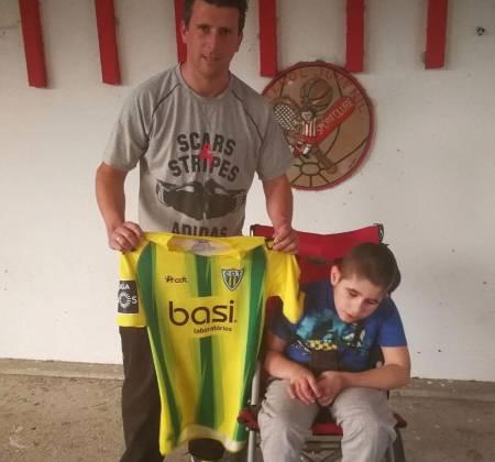 Camisola do Clube Desportivo de Tondela