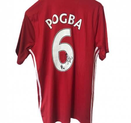 Camisola de Pogba, do Manchester United, autografada pelo jogador