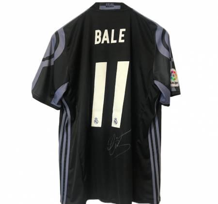 Camisola de Bale, do Real Madrid (2016/2017), autografada pelo jogador