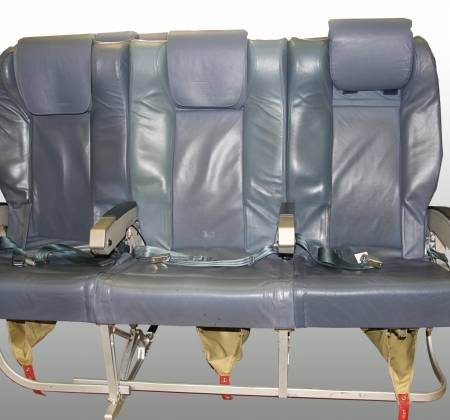 Cadeira tripla executiva de um avião da TAP Air Portugal - 2