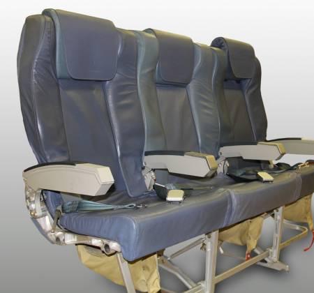 Cadeira tripla executiva de um avião da TAP Air Portugal - 3