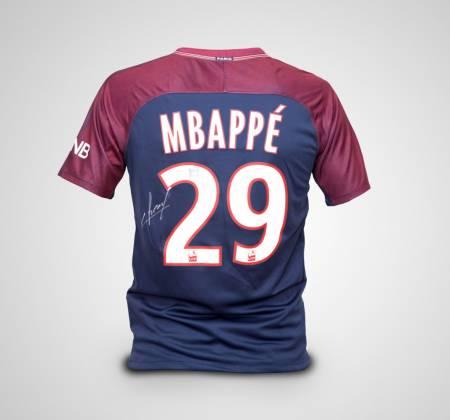 Camisola de Mbappé do Paris Saint-Germain autografada pelo jogador