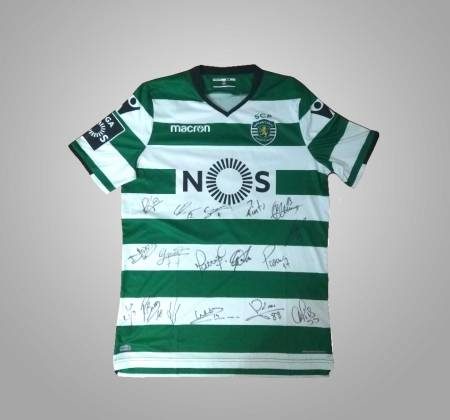 Sporting CP's Bas Dost jersey, autographed by all team