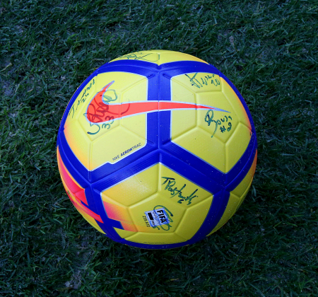 Nike ball signed by the team of the Vitória FC - Taça CTT Final Four
