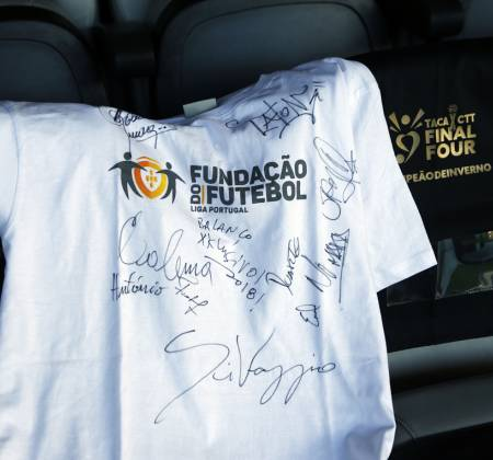 Jersey signed by Youtubers and artists - Taça CTT Final Four