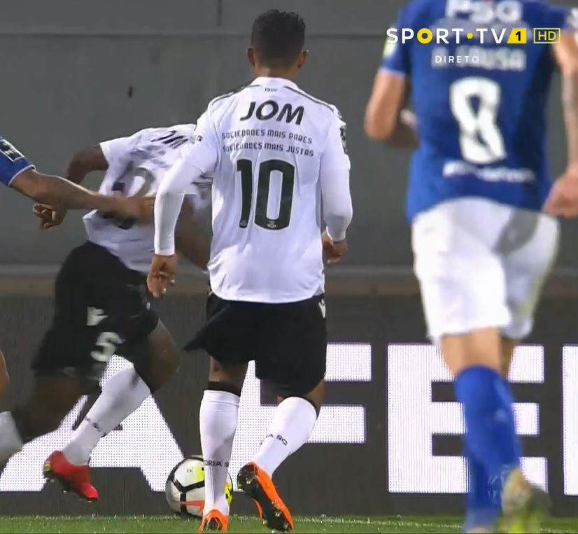 Camisola oficial do jogo Vitória SC x CF Belenenses - Heldon 10