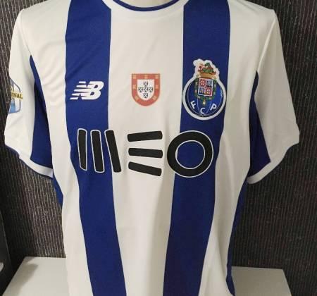 National champion FC Porto jersey autographed by Vaná