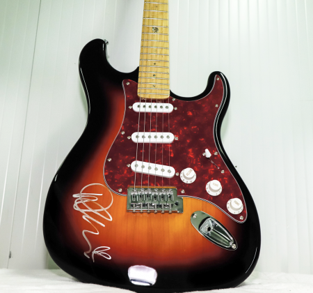 Signed guitar by Demi Lovato at Rock in Rio Lisboa 2018