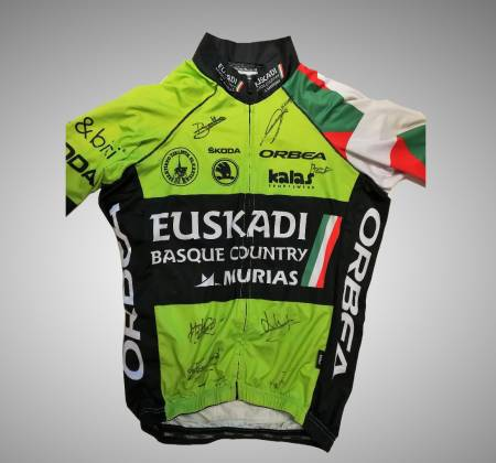 Signed jersey by EUSKADI Team - Volta a Portugal 2017