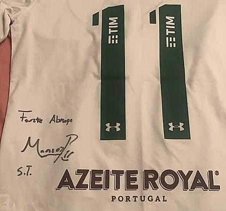 Camisa oficial do Fluminense autografada