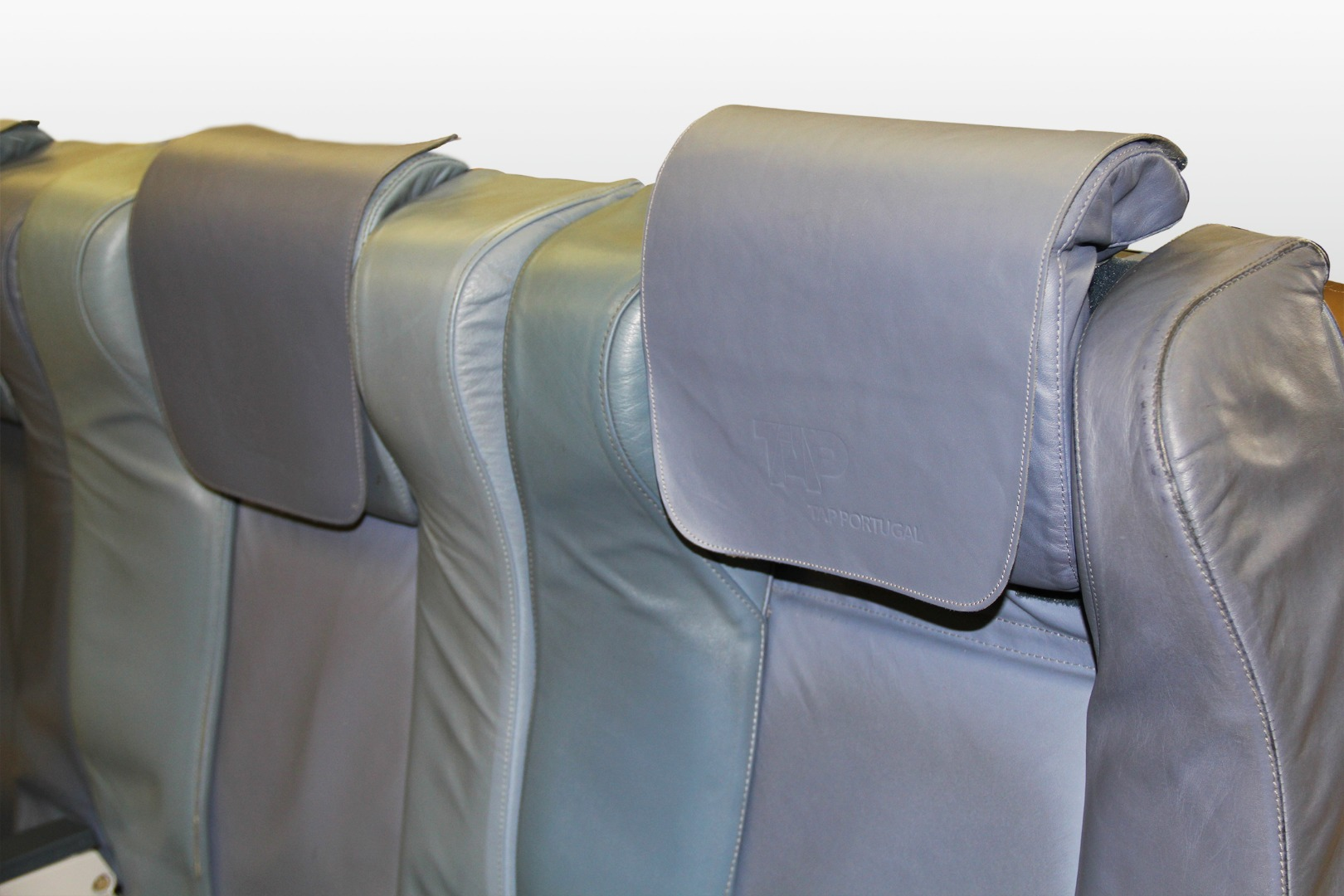 Triple executive seat from TAP Air Portugal - 6