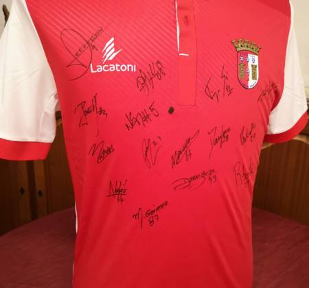 SC Braga jersey autographed by the team 2017/2018